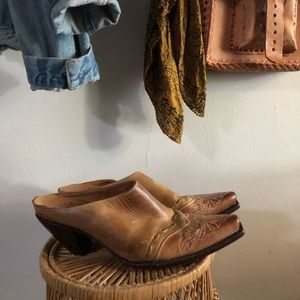 Leather Western Mule Charlie 1 Horse By Lucchese